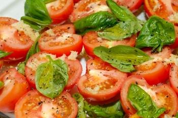 Tomato_and_basil_2